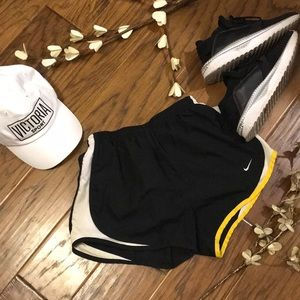 •Nike Livestrong Tempo• {running shorts}